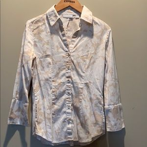 ALL TOPS 2 FOR $15 New York and Co button up top!